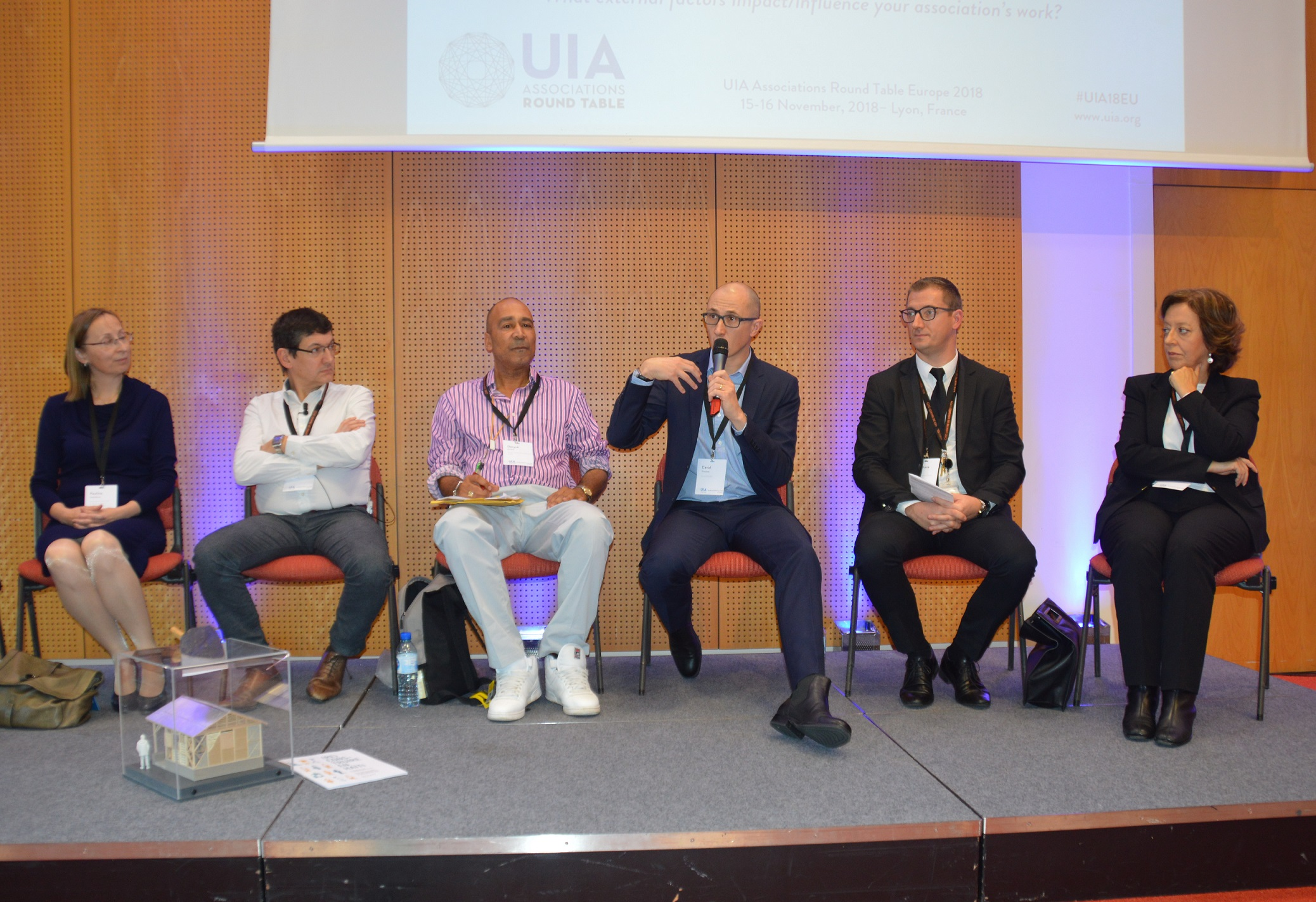 UIA Round Table